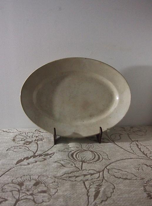 古いショワジー・ル・ロワの大皿