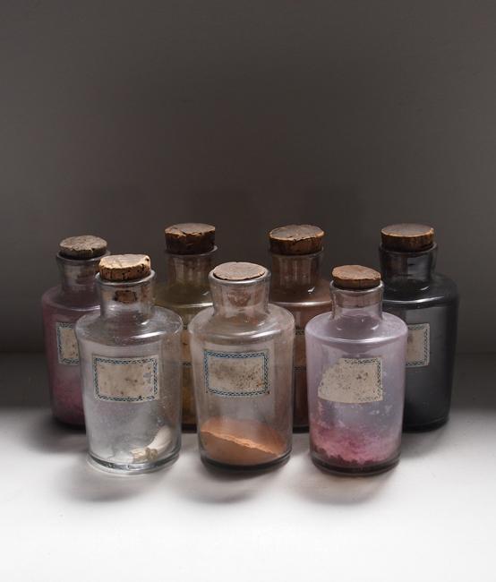 吹きガラスの顔料ビン7本