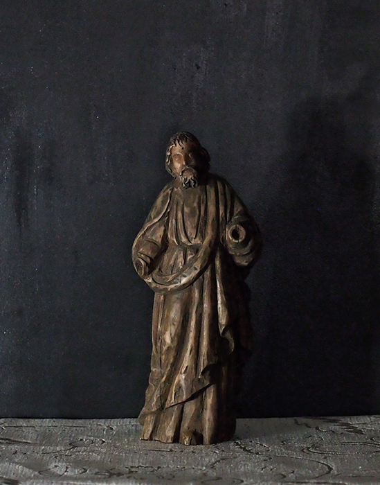 枯れた聖人像 3