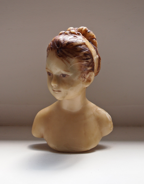 女性の蝋人形