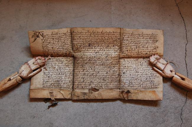 1503年の羊皮紙に書かれた古文書
