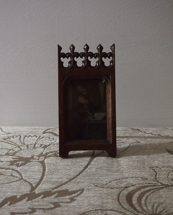 装飾的な木製フォト・フレーム 1