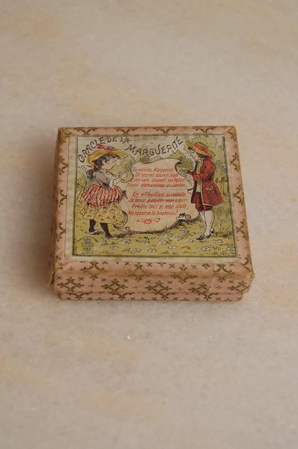 フランスの古い箱 oracle de la marguerite