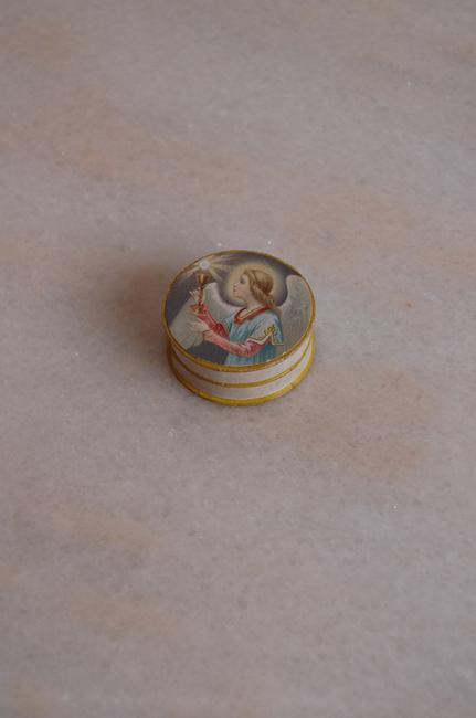 フランスの古い箱 天使2