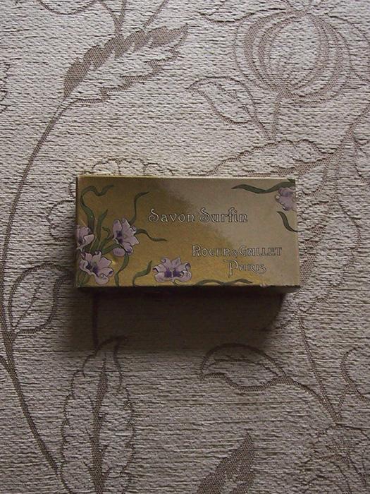 古い石鹸の箱 Savon Surfin