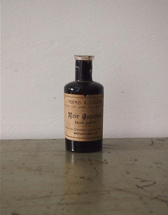 古い瓶 Noir Japonais