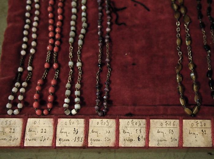 古いロザリオの見本 1 Échantillon du chapelet