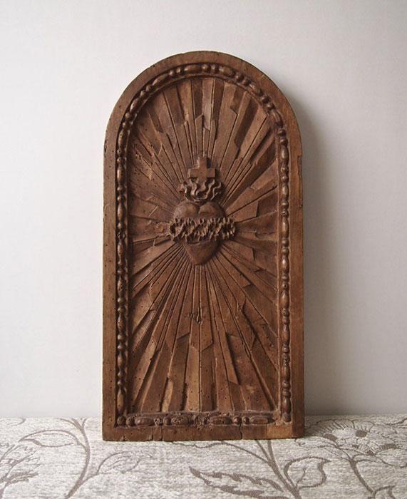 イエスの聖心の木の扉