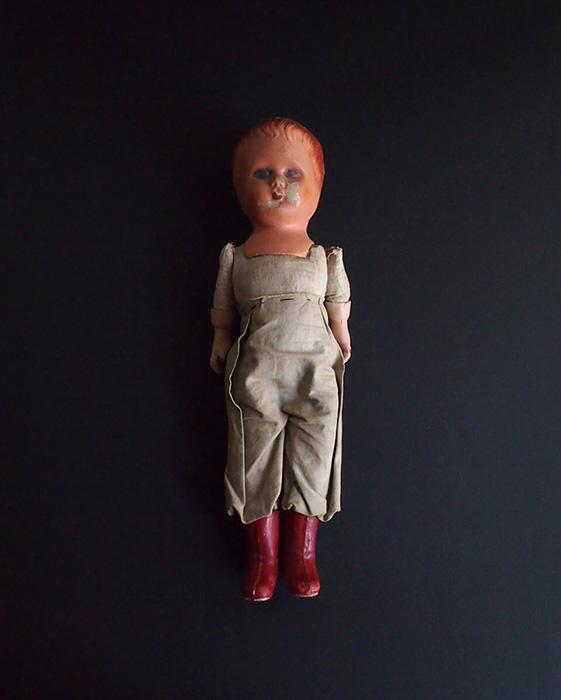手の短い人形