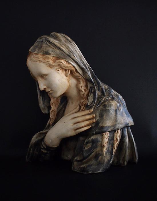 聖母マリアの胸像