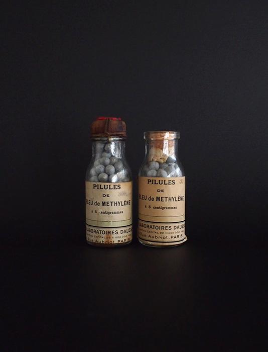 古い薬瓶 Bleu de Methylène 2本