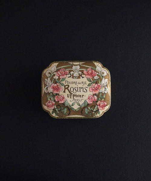 薔薇柄パウダーの紙箱