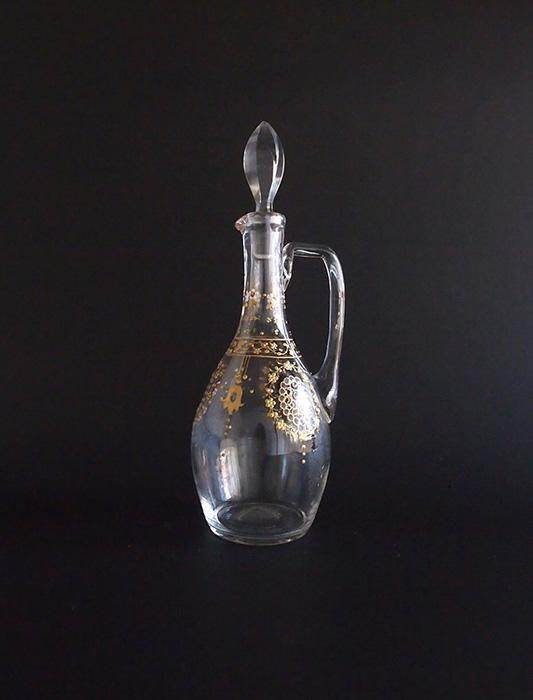 エナメル細工の小さめのボトル