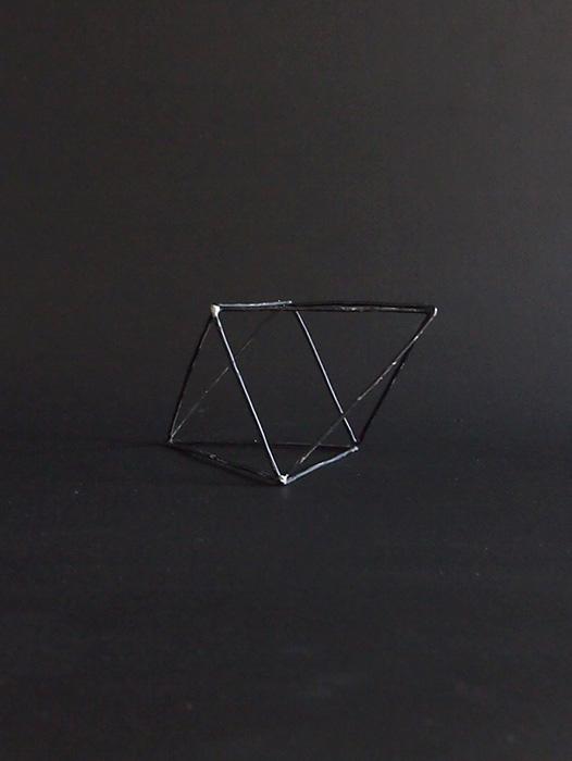 ワイヤーの立体模型 B