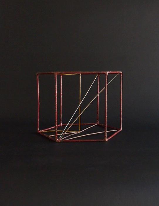ワイヤーの立体模型  C