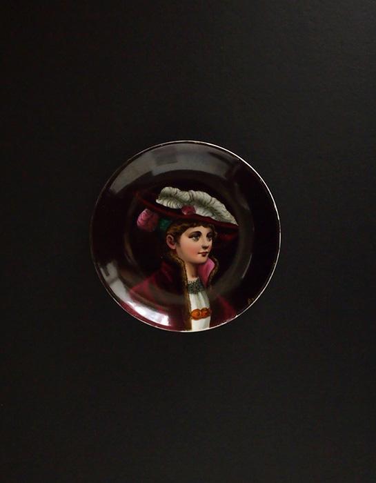 肖像皿 A