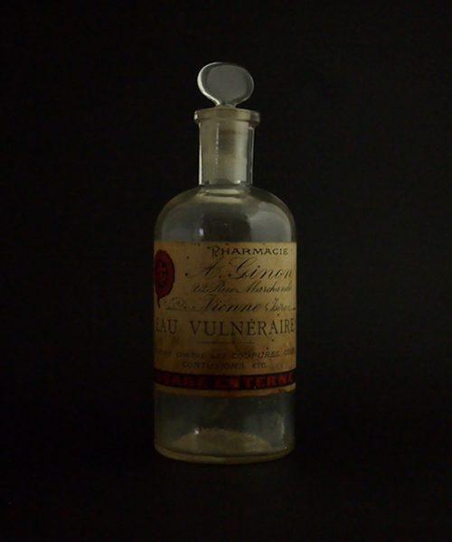古い薬瓶 EAU VULNÉRAIRE