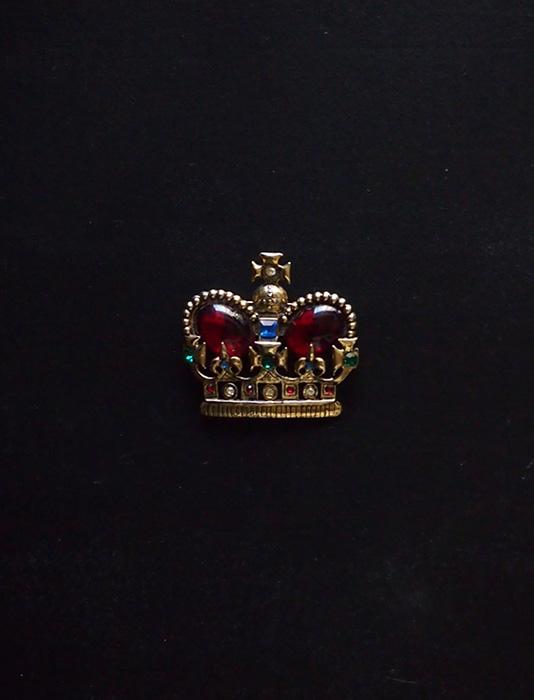 アンヴァンテール 王冠ブローチ