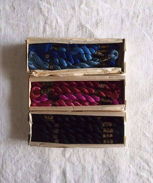 8周年記念サービス品 D・M・Cの箱入り刺繍糸3箱  A