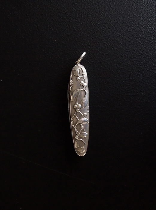 ヤドリギ模様の4徳ナイフ