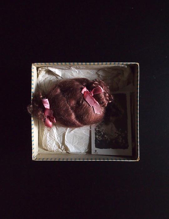 アンヴァンテール ドール・ウイッグと少女のカード