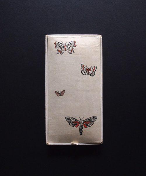 アンヴァンテール 蝶のハンカチケース