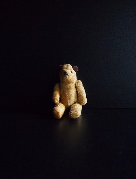 古いクマのぬいぐるみ 7