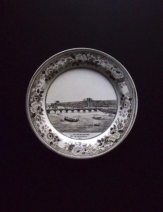 ショワジーのグリザイユ皿 セーヌ川の風景