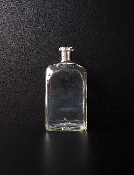 ガラス・ボトル