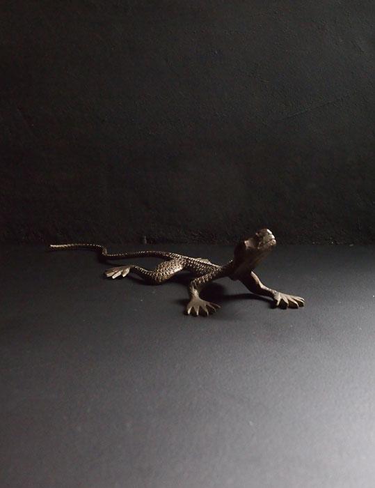 ブロンズの蜥蜴 B
