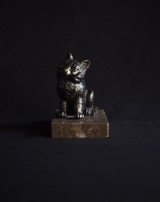 猫のブック・エンド
