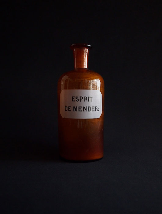 古い薬瓶 ESPRIT DE MENDER:
