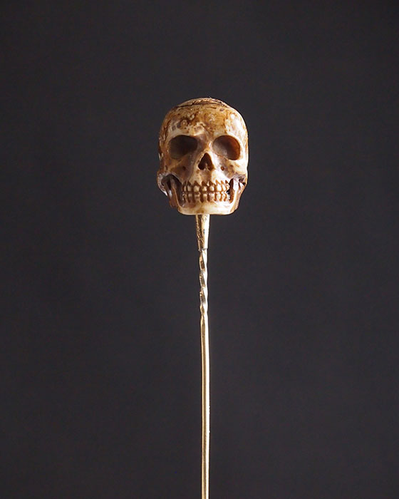 Épinglette crâne