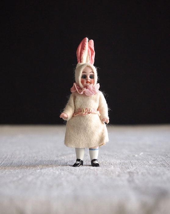 ウサギ耳ビスク・ドール F