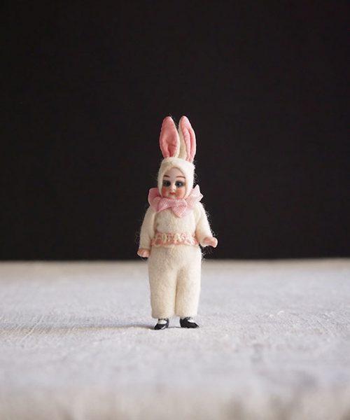 ウサギ耳ビスク・ドール G