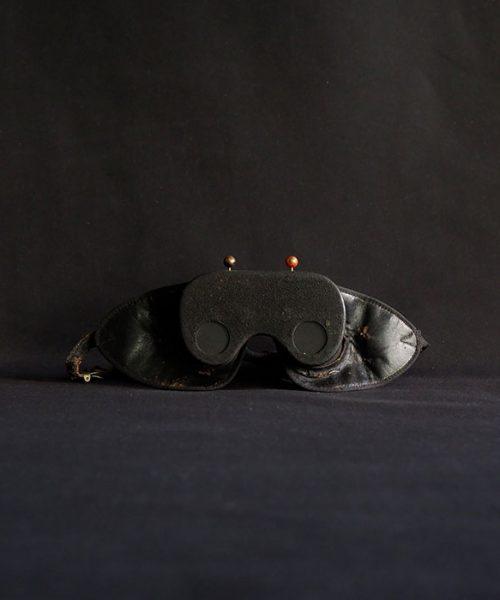 秘密結社の試練のマスク