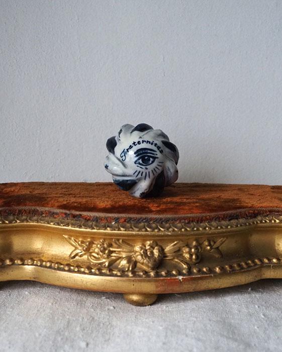 Arii Momoyo Pottery handbrooch  ボトル・ストッパー