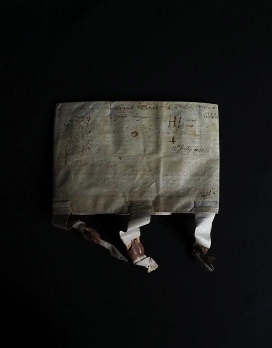 羊皮紙に描かれた古文書 1620年