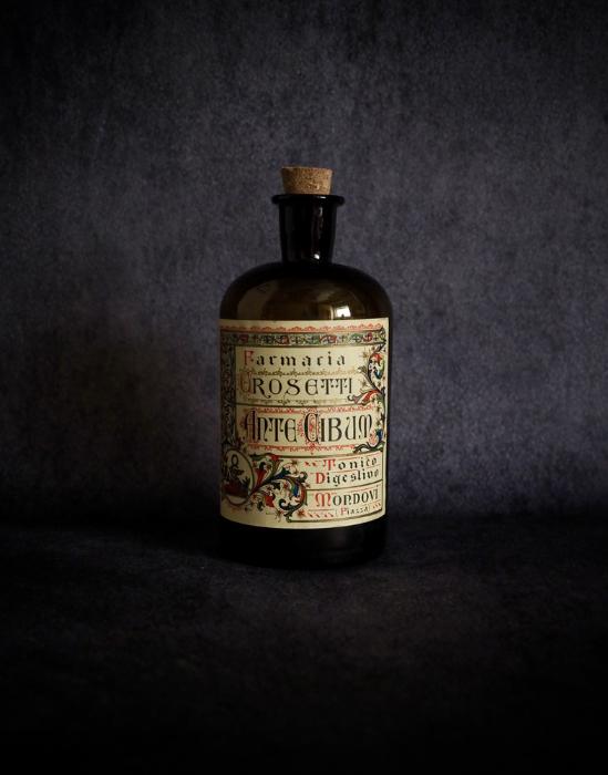 装飾的なラベルの薬瓶 A