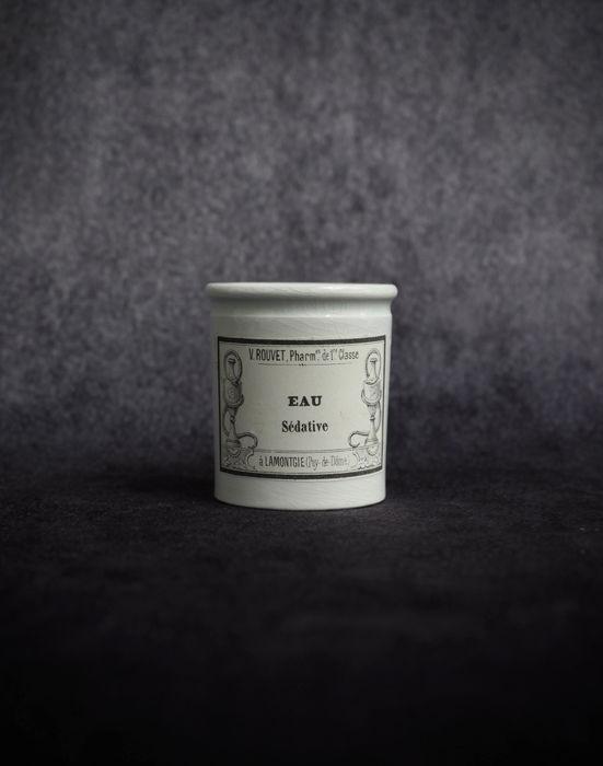 """Pharmacie Pot """"EAU  Sédative"""""""